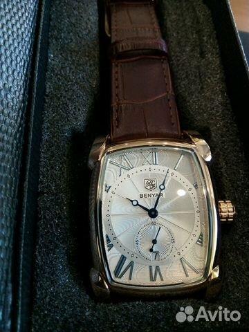 Новые часы в самой полной, оригинальной комплектации.