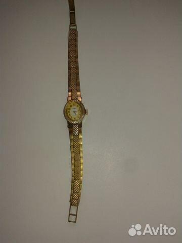 Часы стоимость женские камней чайка 17 в старинные часы золотые продать