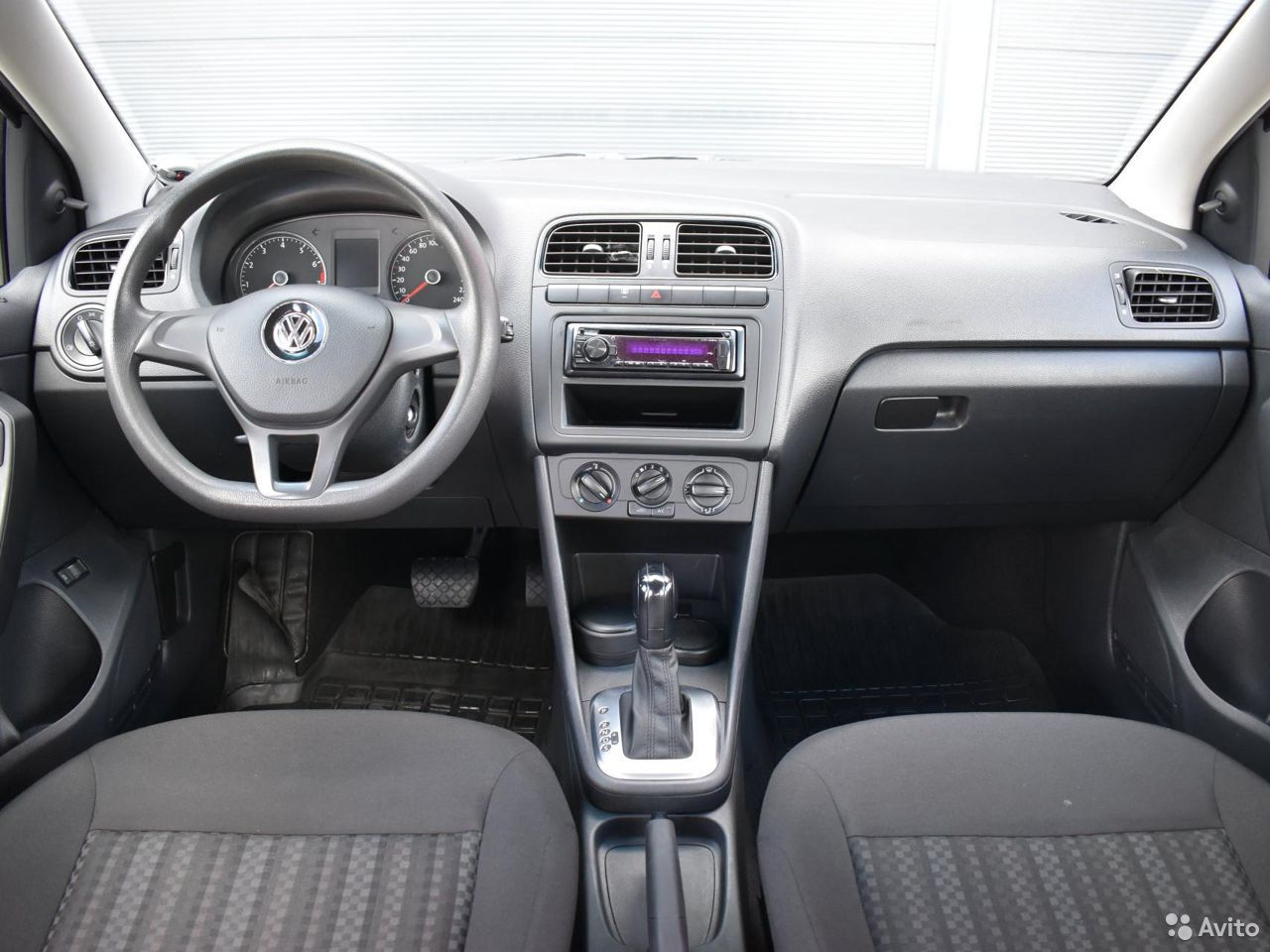 Volkswagen Polo, 2017  84012391573 buy 6