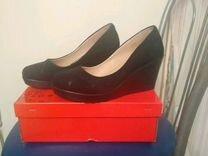 Продам туфли на платформе 38 размера новые